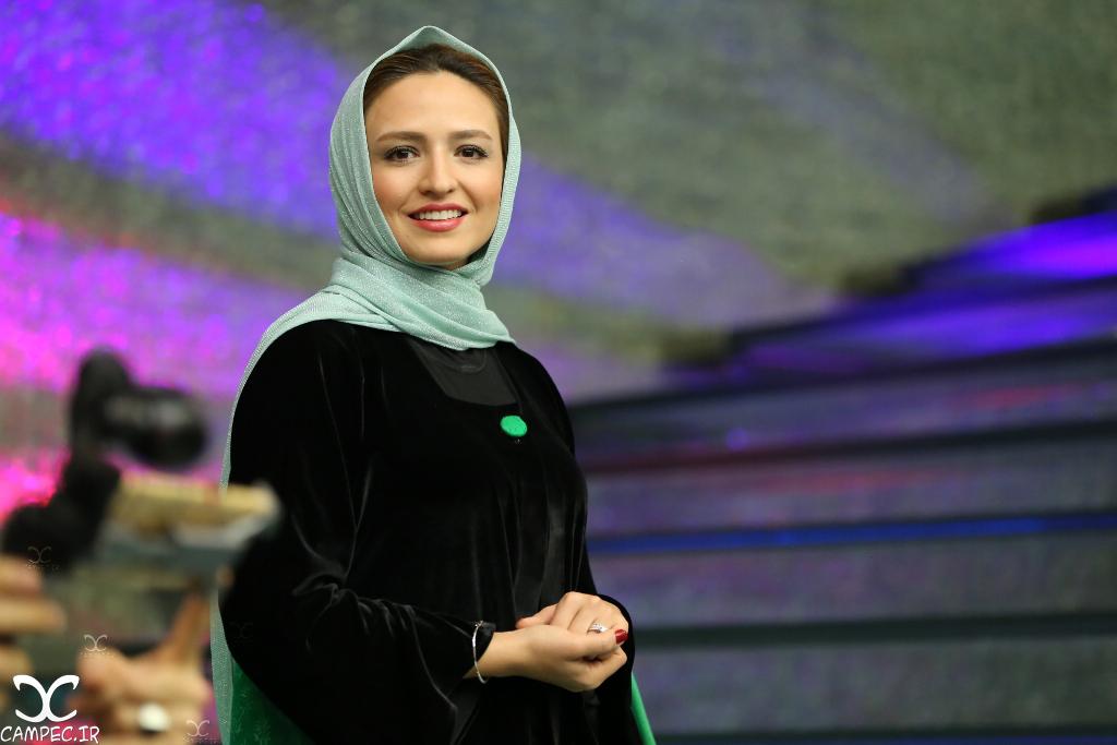 گلاره عباسی در اکران فیلم هیهات