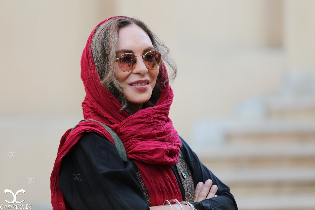 افسانه بایگان در دهمین جشن انجمن منتقدان سینما