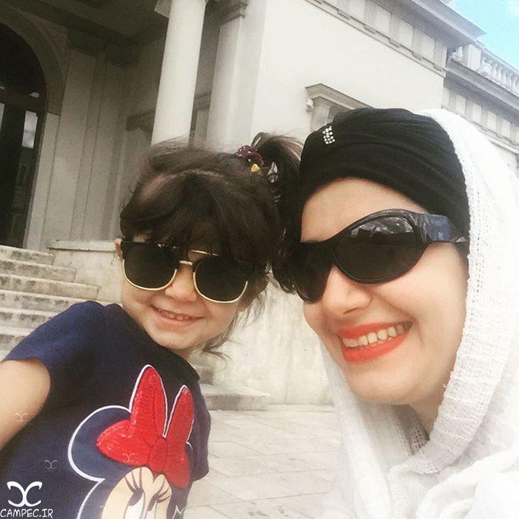 ملیکا زارعی و فرزندش