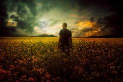 عکس زیبای مرد تنها