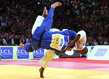 http://s9.picofile.com/file/8269869376/Judo_00uchimata.jpg