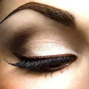 آموزش های لازم برای داشتن چشم های زیبادر ارایش صورت