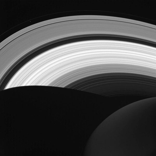 http://s9.picofile.com/file/8271010276/Saturn.jpg