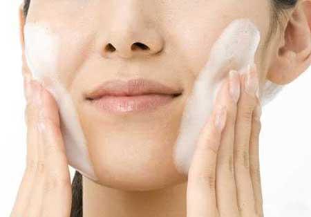 درست کردن شیر پاک کن،پاک کننده آرایش و نرم کننده طبیعی