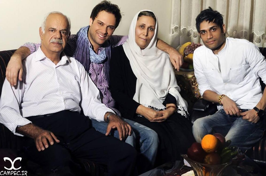 شهروز ابراهیمی با پدر و مادرش