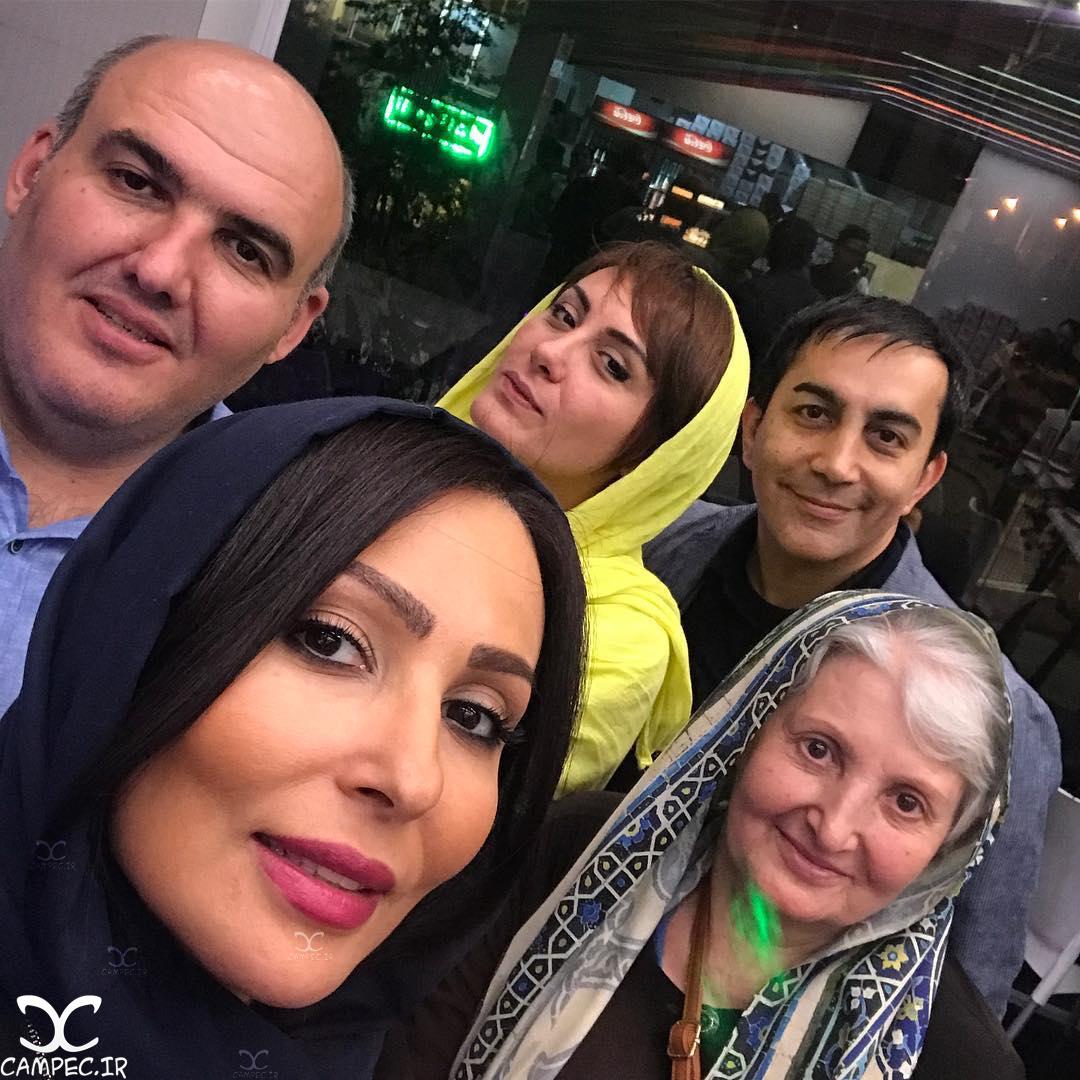 سلفی پرستو صالحی با خانواده اش
