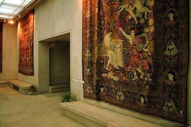 احتمال موریانه زدگی فرش نفیس موزه در انبار بجنورد!