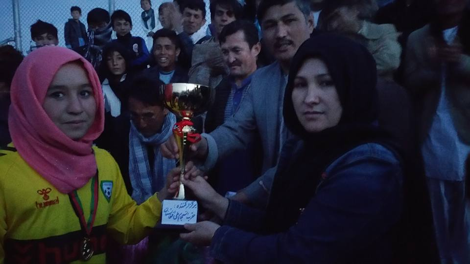 کسب مقام قهرمانی تیم کهکشان سنگموم در فینال جام صلح و دوستی در مرکز ولایت دایکندی