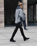 مدل ژاکت بافتنی زنانه آستین گشاد رنگ طوسی روشن