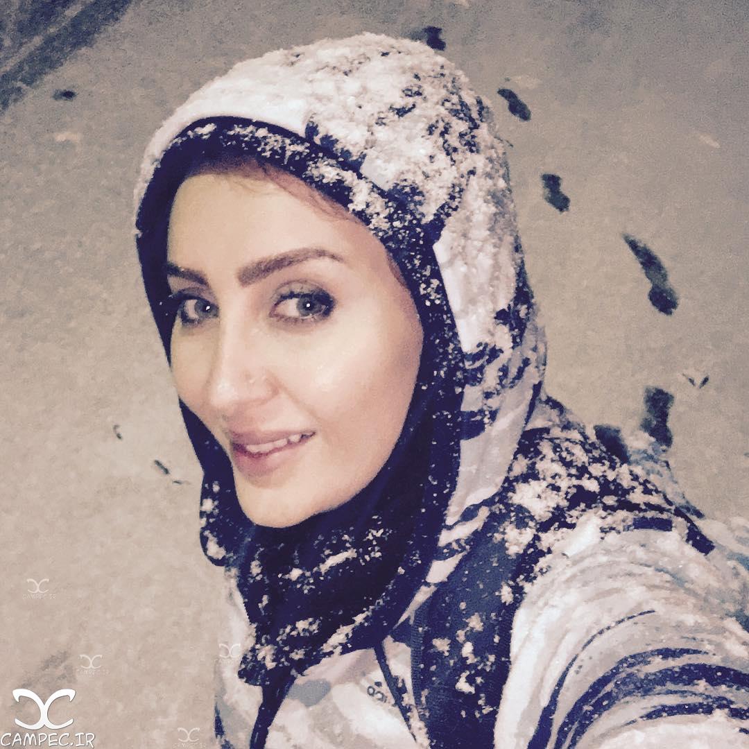 سولماز حصاری در روز برفی تهران