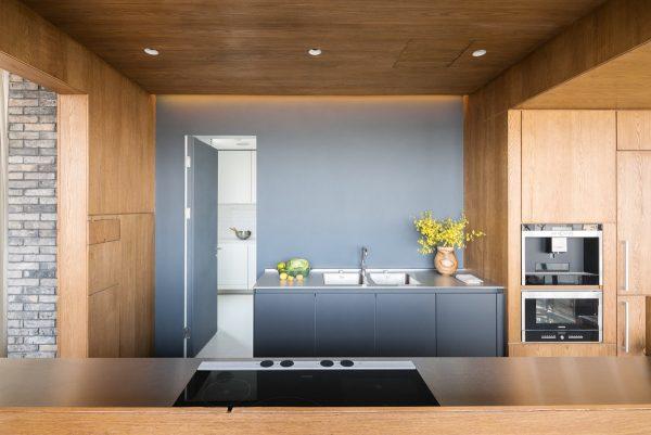 کابینت خاکستری در آشپزخانه2