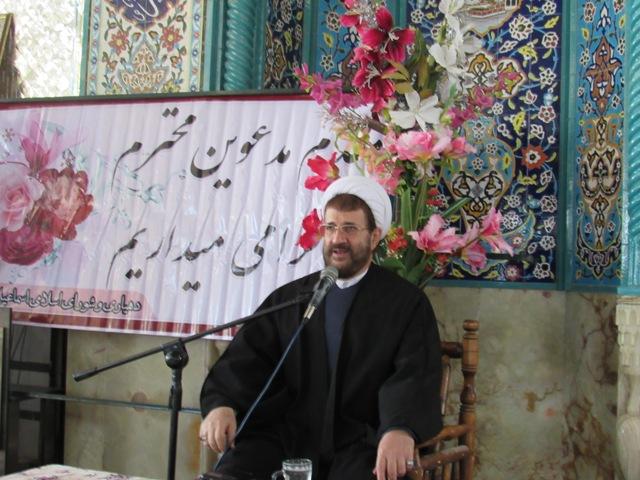 همایش  آموزش خانواده دهستان رضوان در مهدیه اسماعیل آباد برگزار شد.+تصاویر