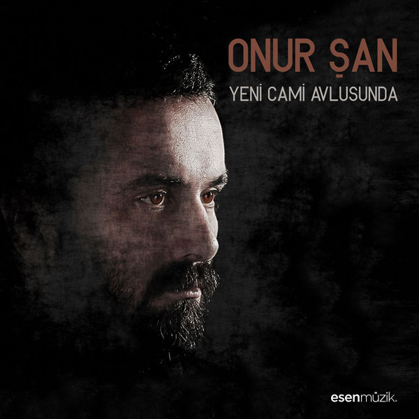 http://s9.picofile.com/file/8277300050/Onur_%C5%9Ean_Yeni_Cami_Avlusunda_2016_.jpg