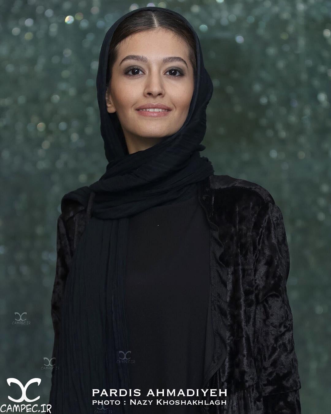 پردیس احمدیه در مراسم اکران فیلم لاک قرمز