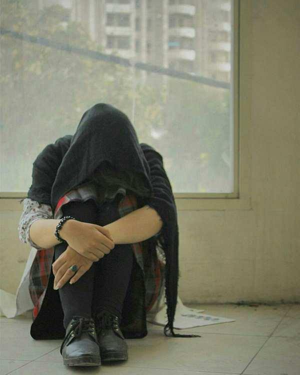 دل دیوانه ی من به غیر از محبت گناهی ندارد ، خدا داند شده چون مرغ طوفان که جز بی پناهی ، پناهی ندارد ، خدا داند