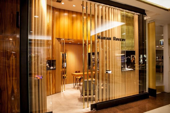 طراحی و اجرای مغازه طلا و جواهر به متراژ 20 متر