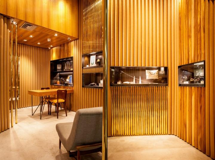 طراحی و دکوراسیون مغازه طلا و جواهر1