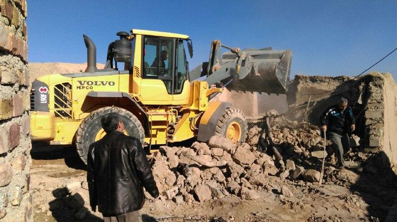 تخریب، آوار برداری و تسطیح مخروبه های خیابان شهید حکمت اله پیرو