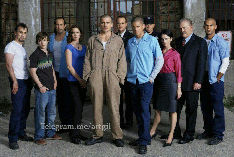 بعد از تجربه موفق پخش «خانه پوشالی» تلویزیون سریال «فرار از زندان» را روی آنتن میبرد.