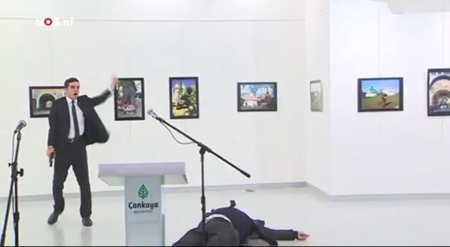 دانلود فیلم لحظه ترور سفیر روسیه در ترکیه