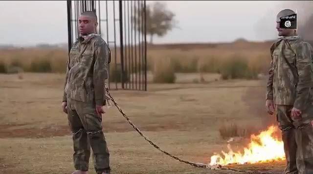 دانلود فیلم زنده سوزاندن دو سرباز ترکیه توسط داعش +18
