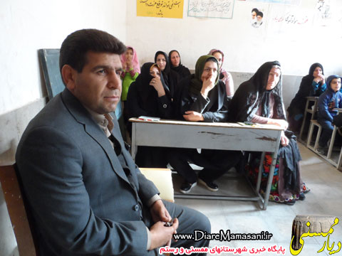 حضور شهردار نورآباد در کلاس سوادآموزی
