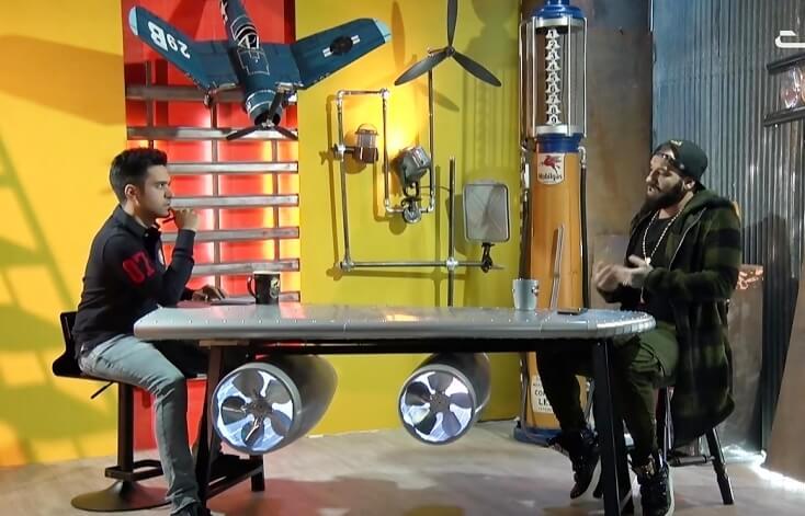 دانلود فیلم گفتگوی برنامه جعبه سیاه با حضور امیرحسین مقصودلو (امیر تتلو) با کیفیت عالی