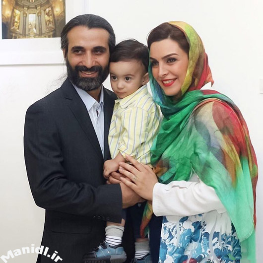 ماه چهره خلیلی در کنار همسر و پسرش
