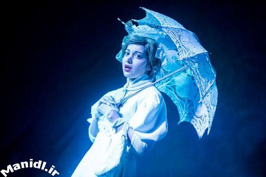 عکس جدید روشنک گرامی در نمایش بازی یالتا