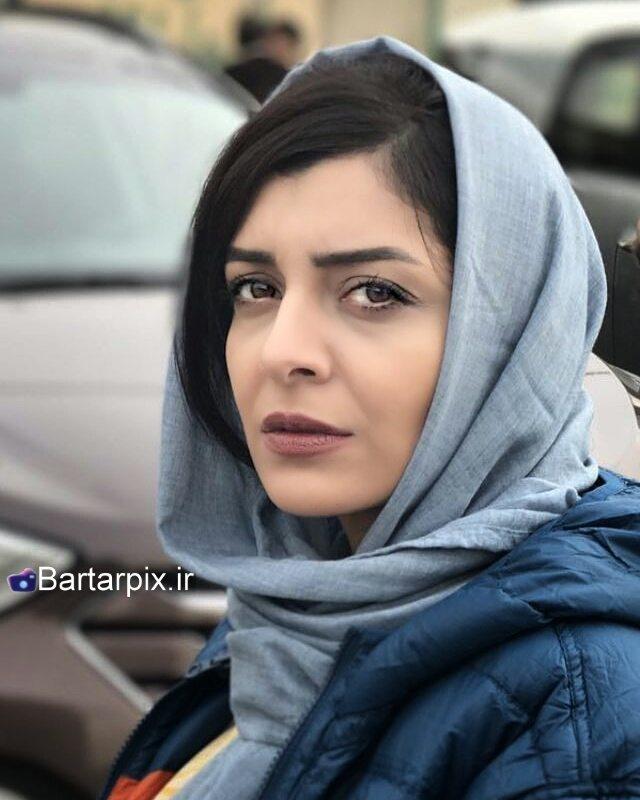 http://s9.picofile.com/file/8281724200/www_bartarpix_ir_sareh_bayat_3_.jpg