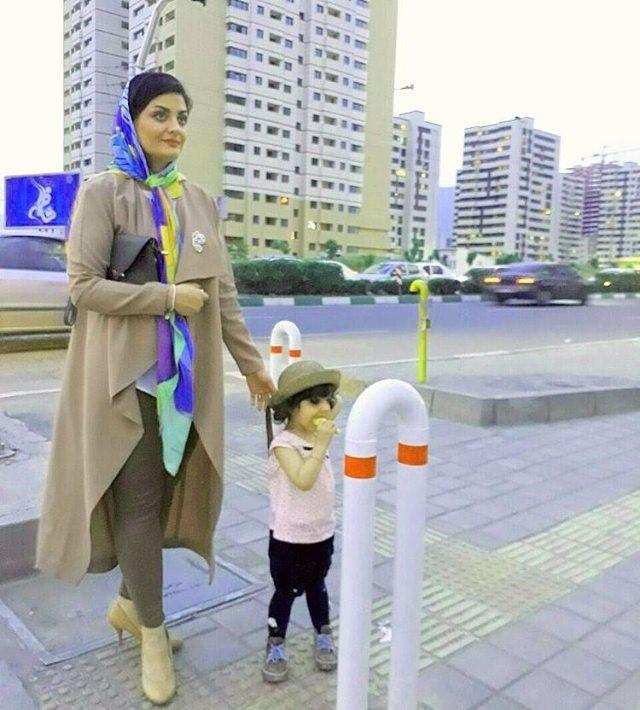 لیلا ایرانی و فرزندش بازیگر نقش دریا در سری قبل برنامه دورهمی