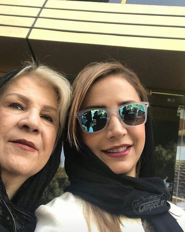 عکس کمیاب شبنم قلی خانی همراه با مادرش