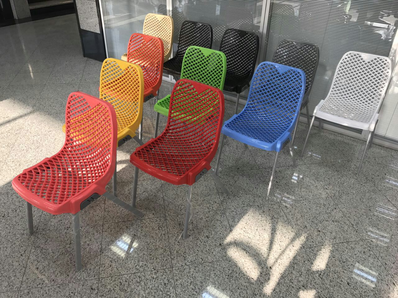 قیمت صندلی پلاستیکی ناصر