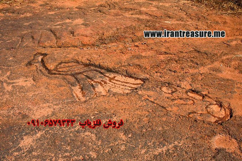 tavus952 نشانه طاووس در دفینه یابی