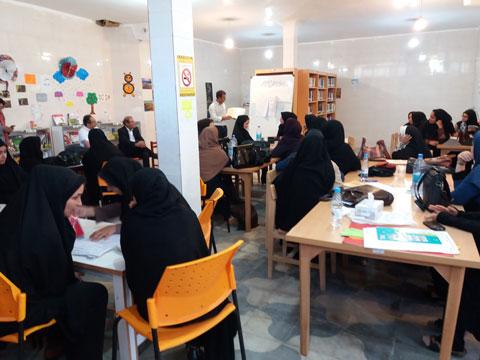 کارگاه آموزشی جام باشگاههای کتابخوانی کودک و نوجوان در شهرستان رستم