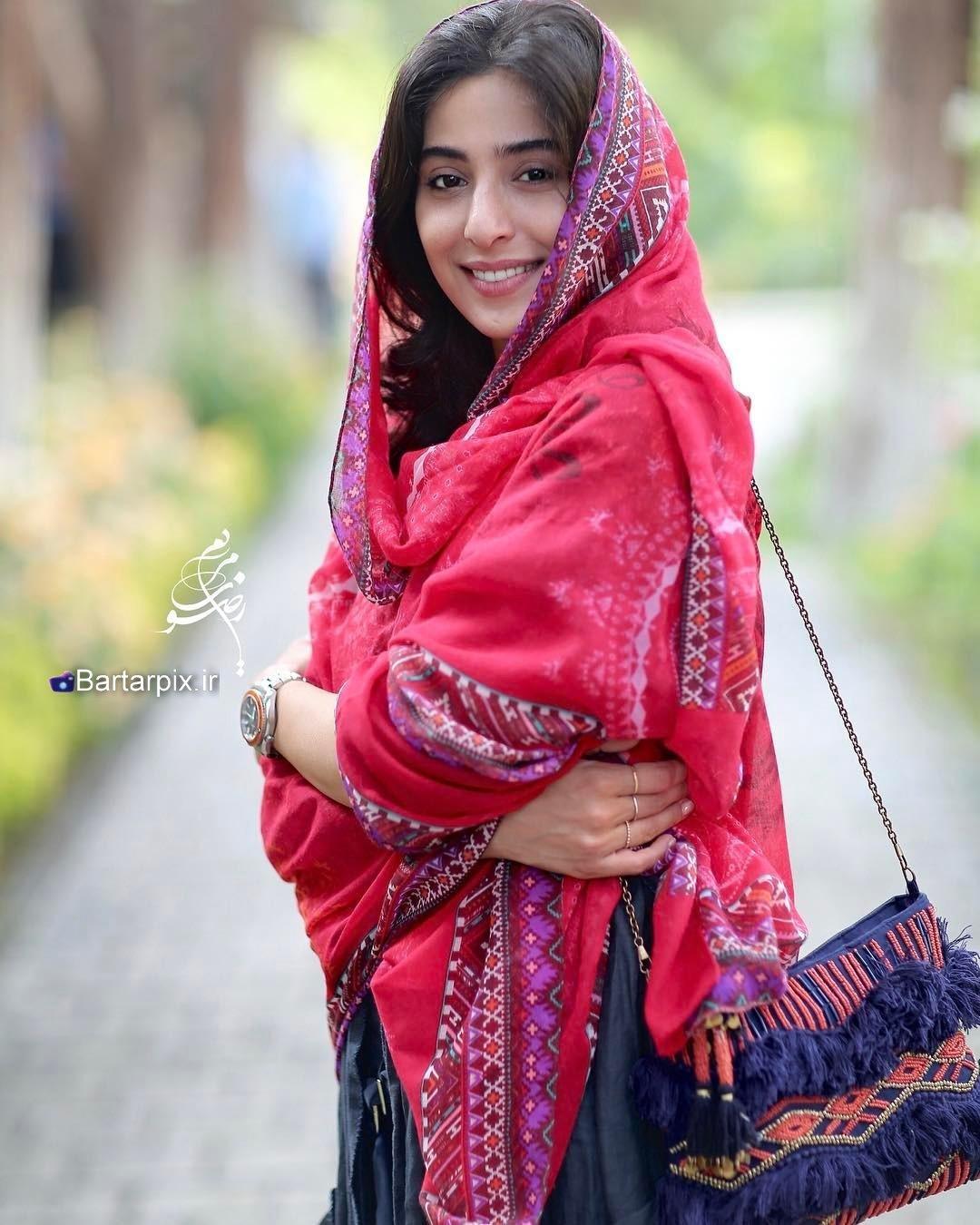 http://s9.picofile.com/file/8295201234/www_bartarpix_ir_anahita_afshar_sal_1396_1_.jpg