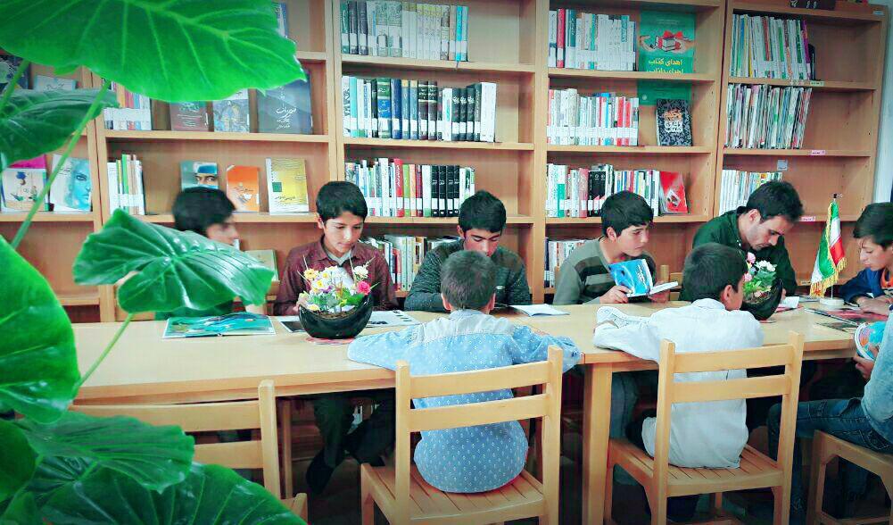 نشست کتابخوان کتابخانه عمومی حاج چراغعلی رسولخانی بلگشیر