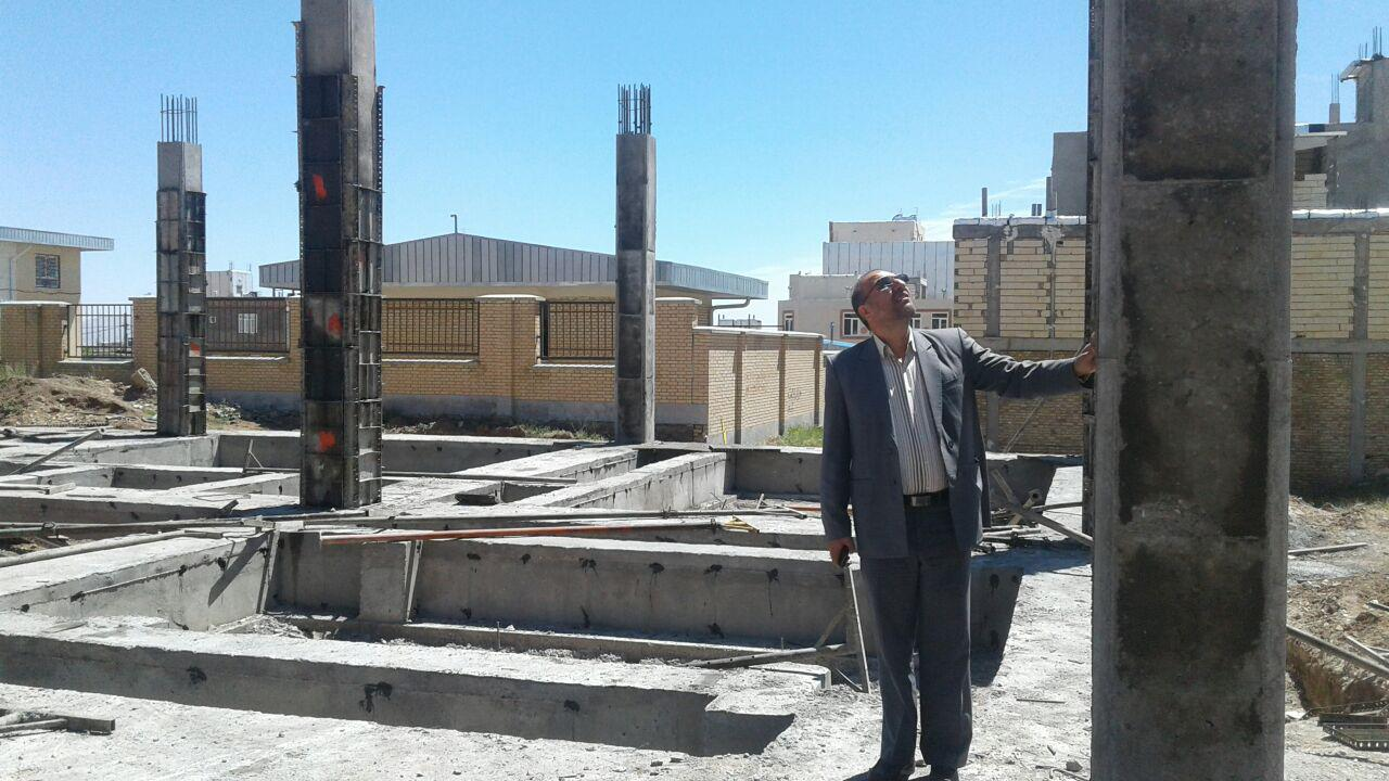بازدید مدیر کل محترم کتابخانه های عمومی استان از کتابخانه در حال احداث شهر قیدار