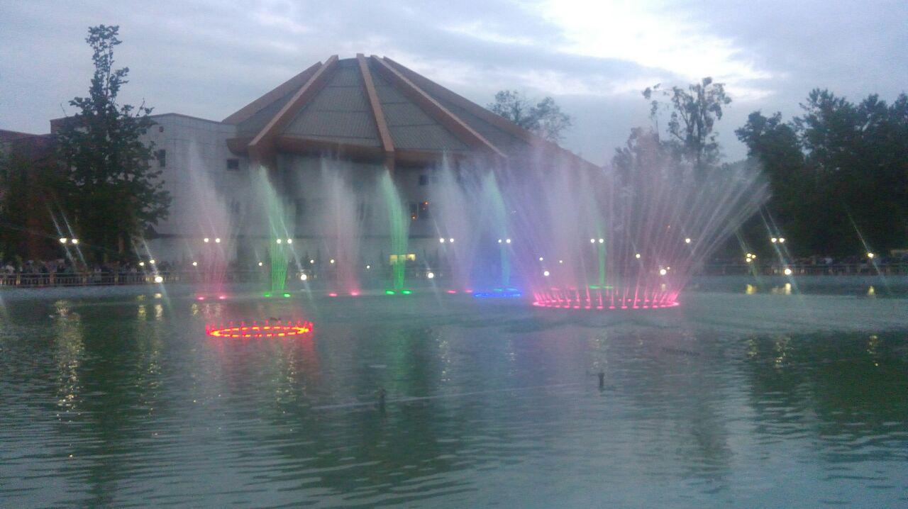 افتتاح بزرگترین آبنمای موزیکال ایران در بوستان ملت رشت