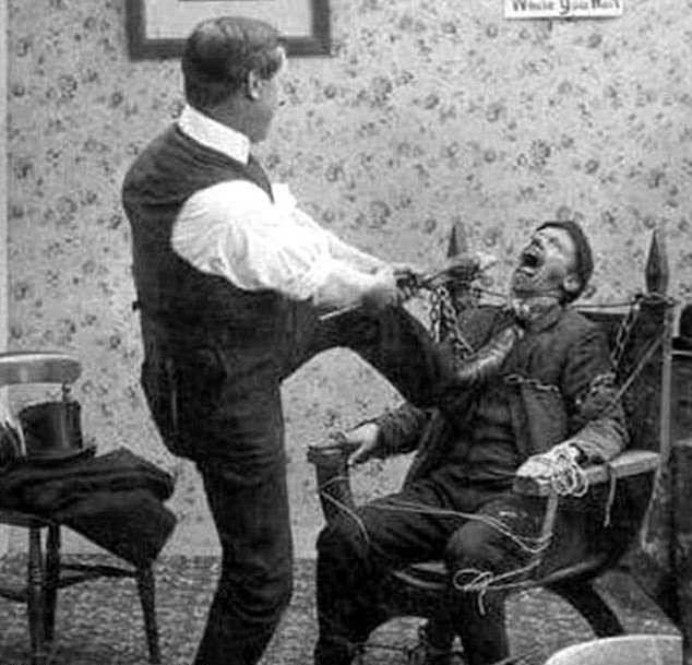 آرایشگر دندانپزشک