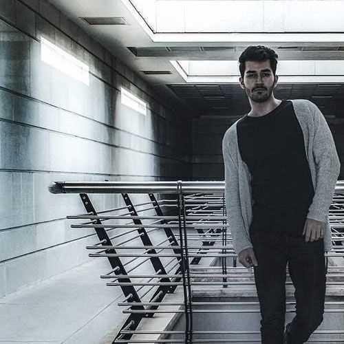 دانلود آهنگ جدید علی یاسینی به نام کی مثل منه