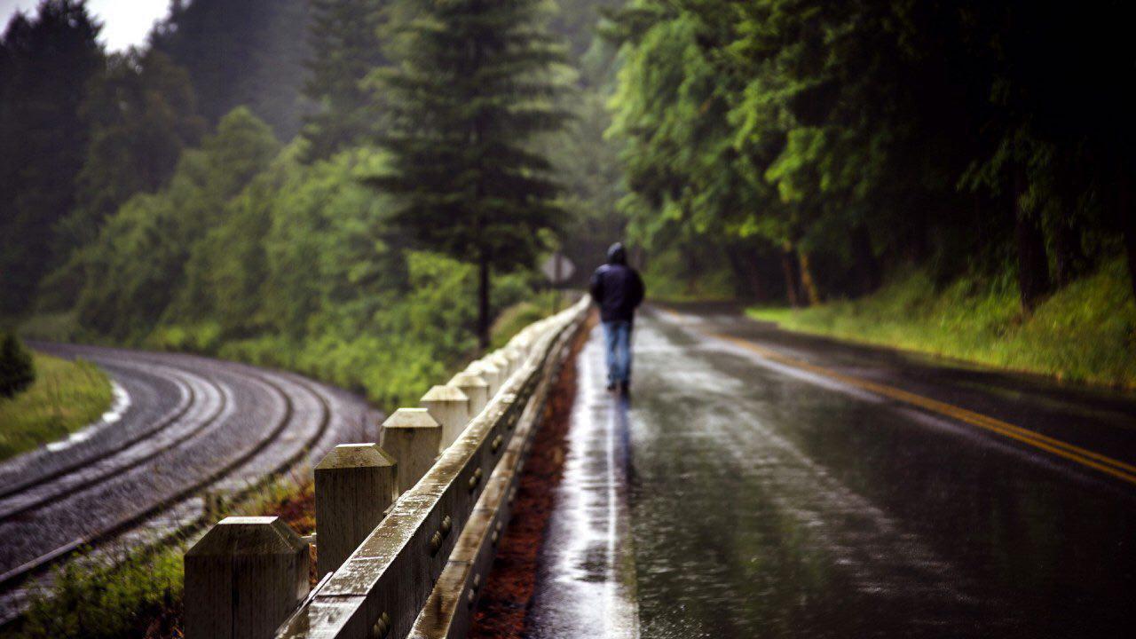 قدم زدن زیر بارون
