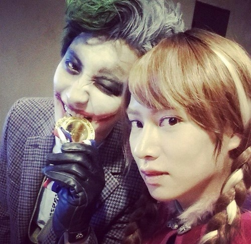 http://s9.picofile.com/file/8300111776/chanyeol_and_heechul_2014_smtown_halloween_party.jpg