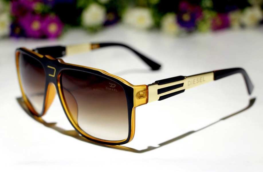 عینک آفتابی قهوه ایی دیزل زنانه