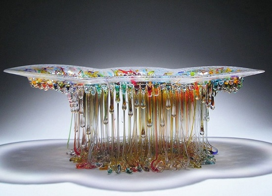 میزهای شیشهای و درخشان به شکل چتردریایی