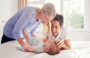 کودک خود را چگونه بخندانيم | مجله اينترنتي هلو