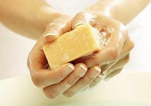 استفاده از صابون هاي آنتي باکتريال در دوران بارداري