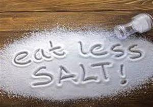 خوردن نمک باعث فشار خون و بيماري قلبي