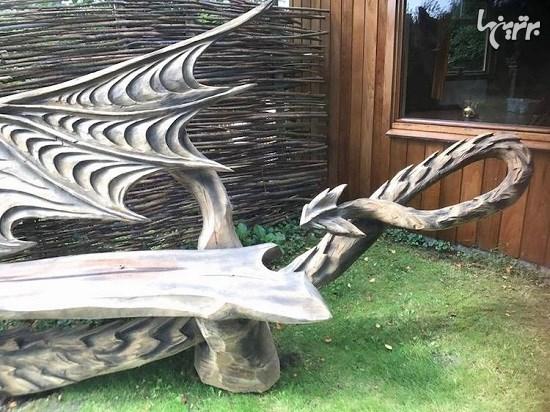 تبدیل کنده درخت به نیمکت اژدها با استفاده از اره برقی