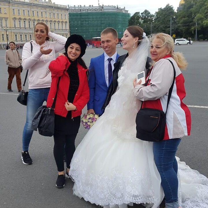 http://s9.picofile.com/file/8305590468/www_bartarpix_ir_nafiseh_roshan_russia_2017_1_.jpg